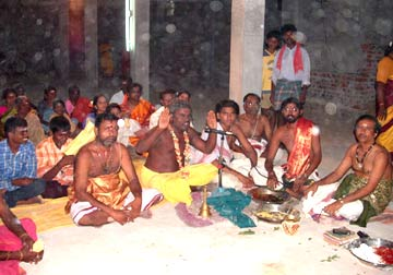 Sre Bhaaskharamaharishi blessed all devotees